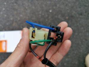 セローのヘッドライトスイッチ装着画像